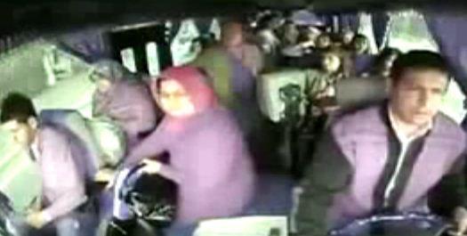 Otobüs Arızasını Yanlış Anlayınca Panik Yapan Yolcular